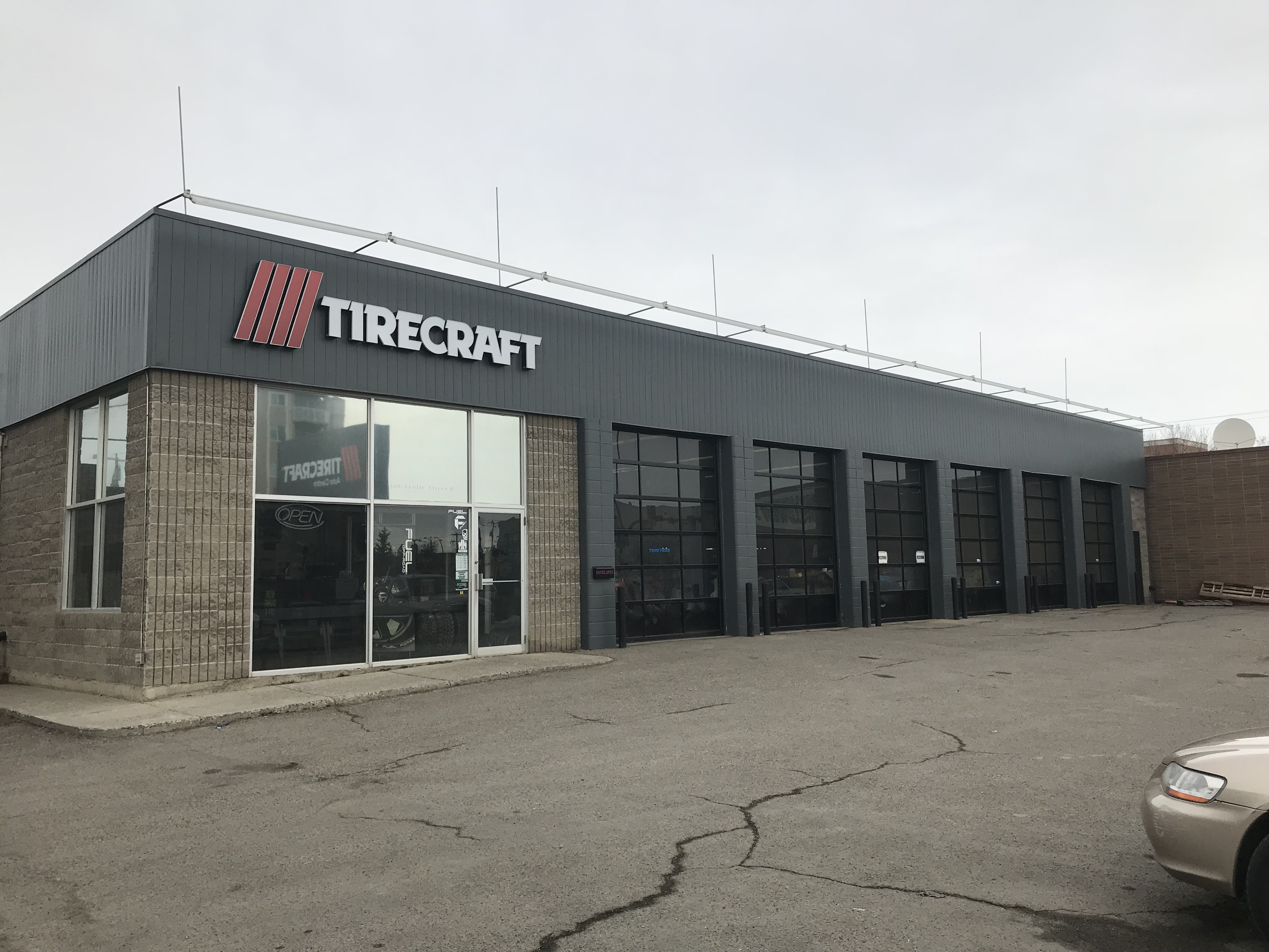 TIRECRAFT CENTRE ST NORTH